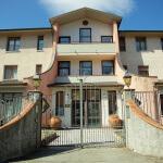 casa riposo tra bologna e firenze: ingresso villa del sole